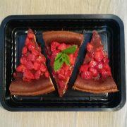 Vaschette per dolci nera, rettangolare 1L per cheescake cotta con mascarpone e fragole GMA