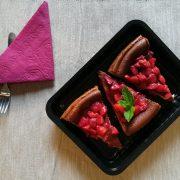 Vaschette per dolci rettangolare nera 1L per rheescake cotta con mascarpone e fragole GMA
