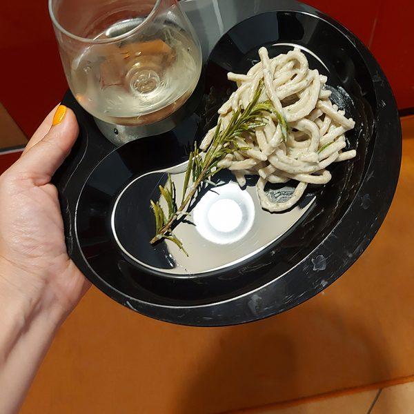 Piatto Aperitivo 22×23 cm Nero per catering e aperitivi GMA personalizzazione vetro